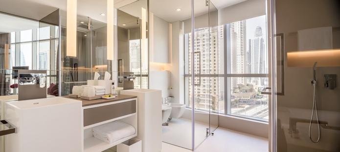 InterContinental Dubai Marina deluxe room bathroom
