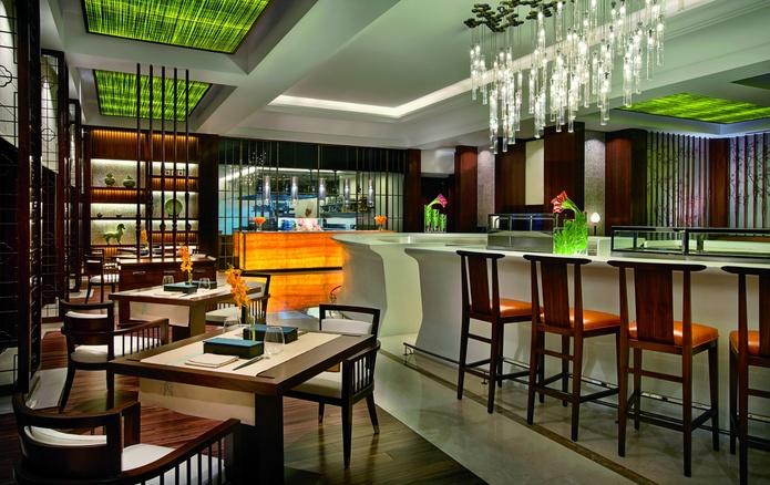 The Ritz-Carlton Dubai bar