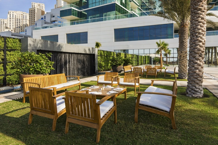Areia Beach Bar & Grill terrace