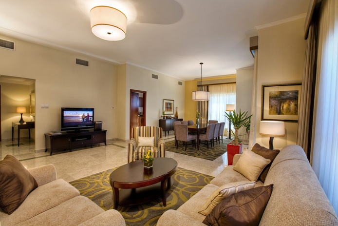 Dubai Marriott Harbour Hotel suite living room