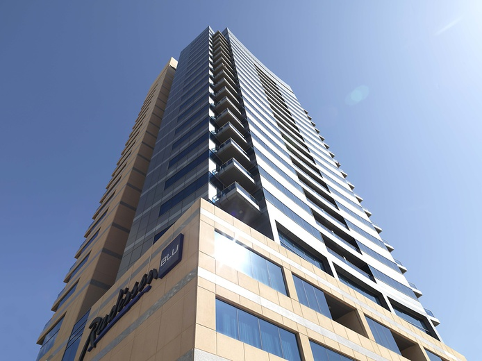Radisson Blu Residence, Dubai Marina building