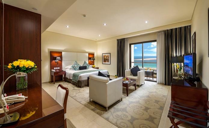 Ramada Plaza Jumeirah Beach Residence room