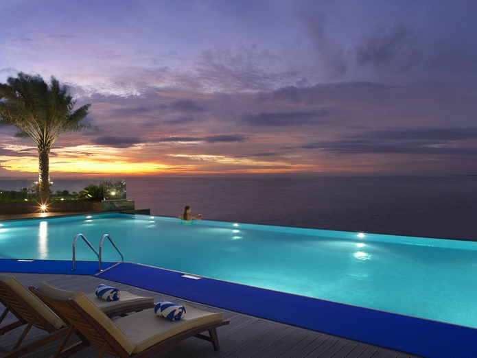 Habtoor Grand Beach Resort pool with sunset