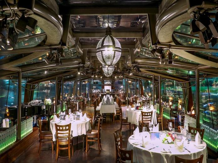 Bateaux Dubai Dinner Cruise boat indoor
