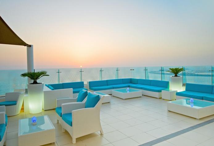 Hilton Dubai Jumeirah Rooftop Terrace