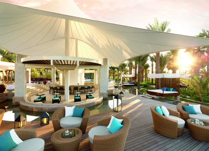 The Ritz-Carlton Dubai terrace