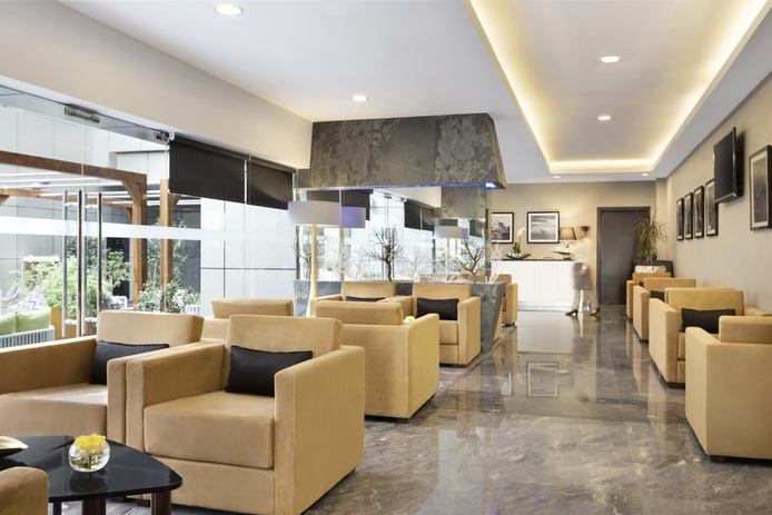Wyndham Dubai Marina - Azur Coffee Lounge