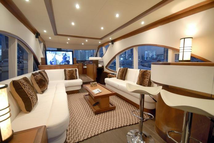 Duretti 70 FT Yacht lounge interior