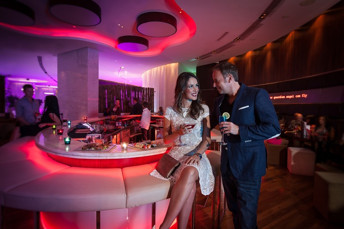 Media One Hotel Z:ONE lounge bar & terrace couple