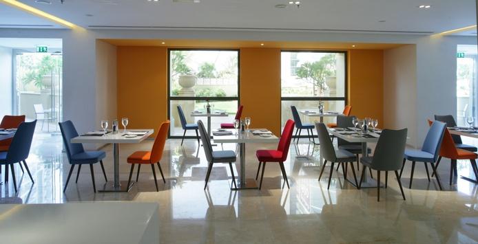 Flavours Restaurant tables