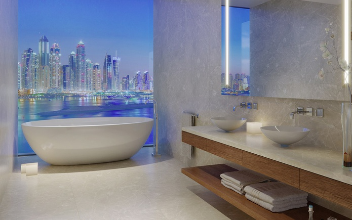 Bathroom with Dubai Marina panorama