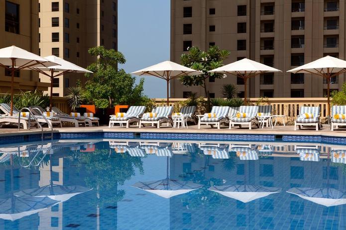 Ramada Plaza Jumeirah Beach Residence swimming pool