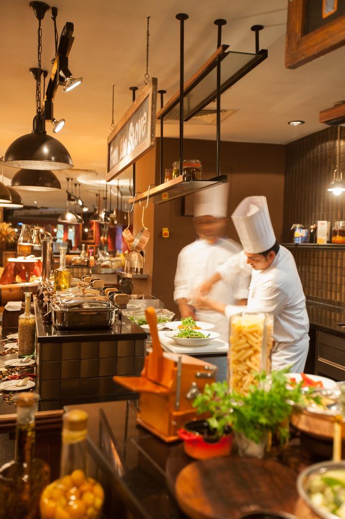 Thyme Restaurant open kitchen
