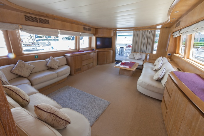 Maiora 78 ft yacht interior