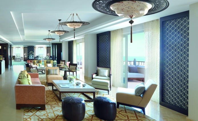 The Ritz-Carlton Dubai lounge