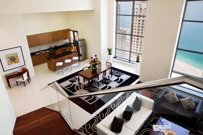Ramada Plaza Jumeirah Beach Residence suite