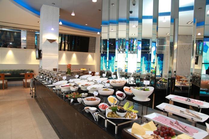 Captains Table buffet