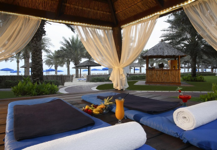 Sheraton Jumeirah Beach Resort beach beds