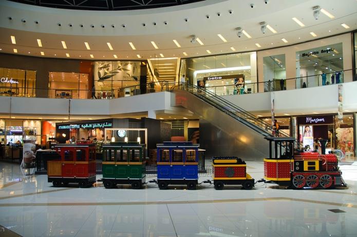 Dubai Marina Mall interior