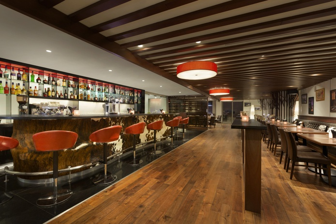 Range Bar & Grill