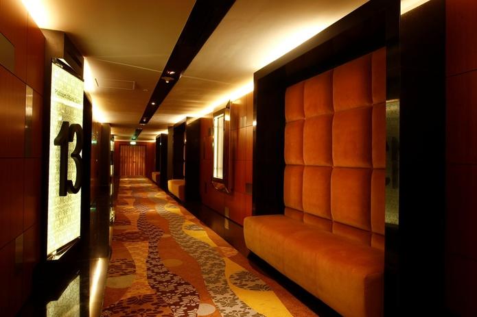 Reel Cinemas corridor