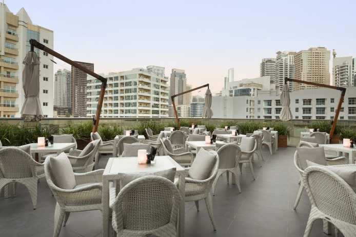 Wyndham Dubai Marina terrace
