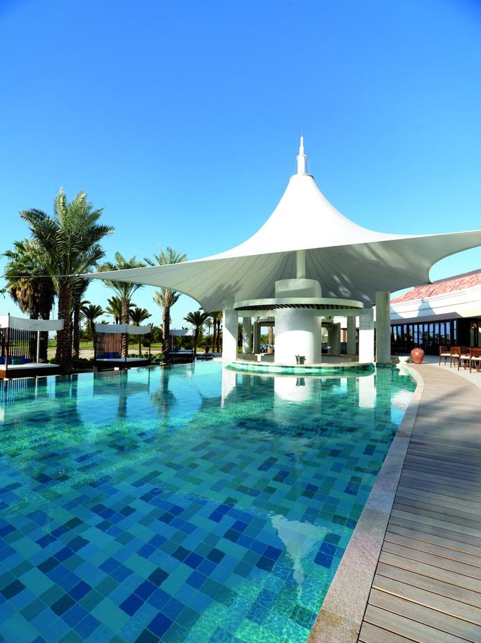 The Ritz-Carlton Dubai pool and bar