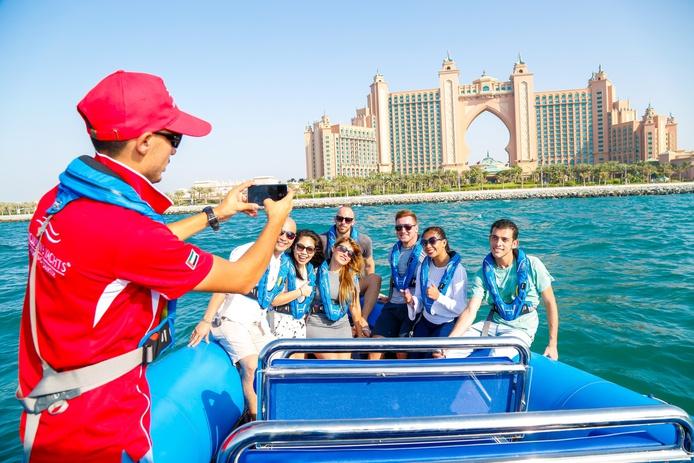 Speed boat tour in Dubai Marina