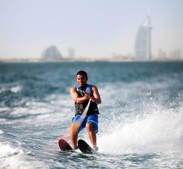 Dubai waterskiing